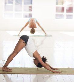 AURA – Yoga & Klang